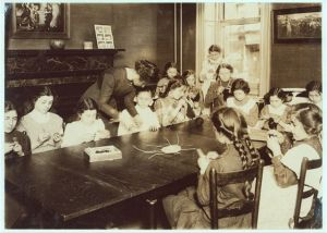 Knitting Classes @ Henry Street Settlement, NY (late 19th c)