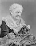elderlywomanknitting