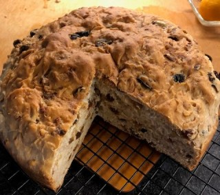 A yeasted Italian coffee cake.
